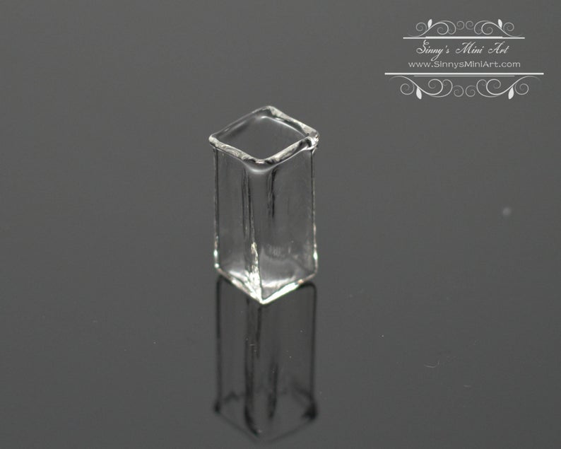 1:12 Miniature Square Clear Glass Vase BD HB018