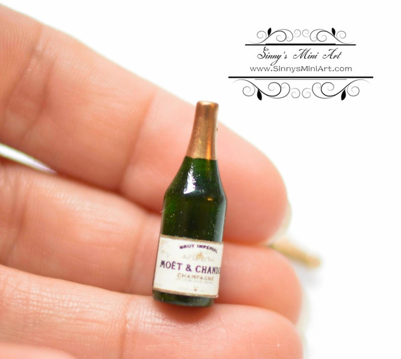 1:12 Dollhouse Miniature Champagne/ Miniature Alcohol 53040