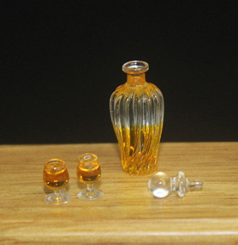 1:12 Dollhouse Miniature Whiskey / Miniature Alcohol Miniature Drink D123