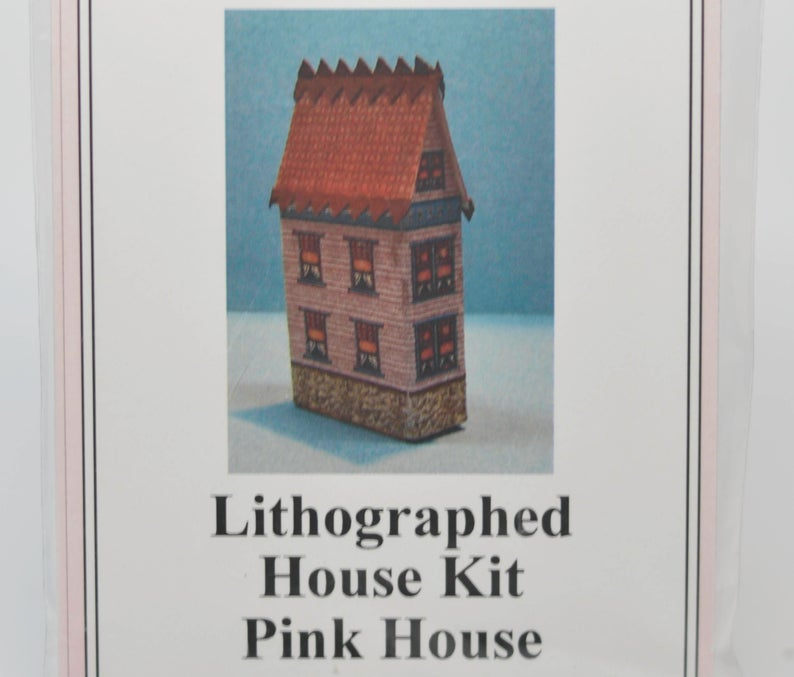 1:144 Lithographed Pink House Kit DI TY401
