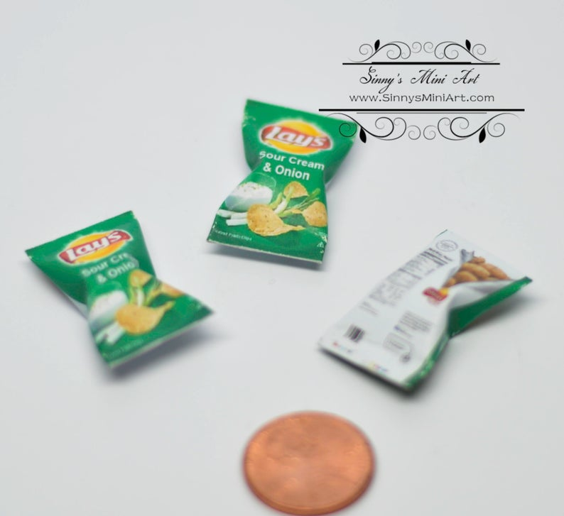 1:12 Dollhouse Miniature Lay's Sour Cream Onion Chips/Sour Cream and Onion 54096
