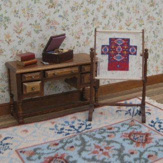 1:12 Doorstop In Progress Dollhouse Needlepoint Needlework Stand Kit JGD 8005