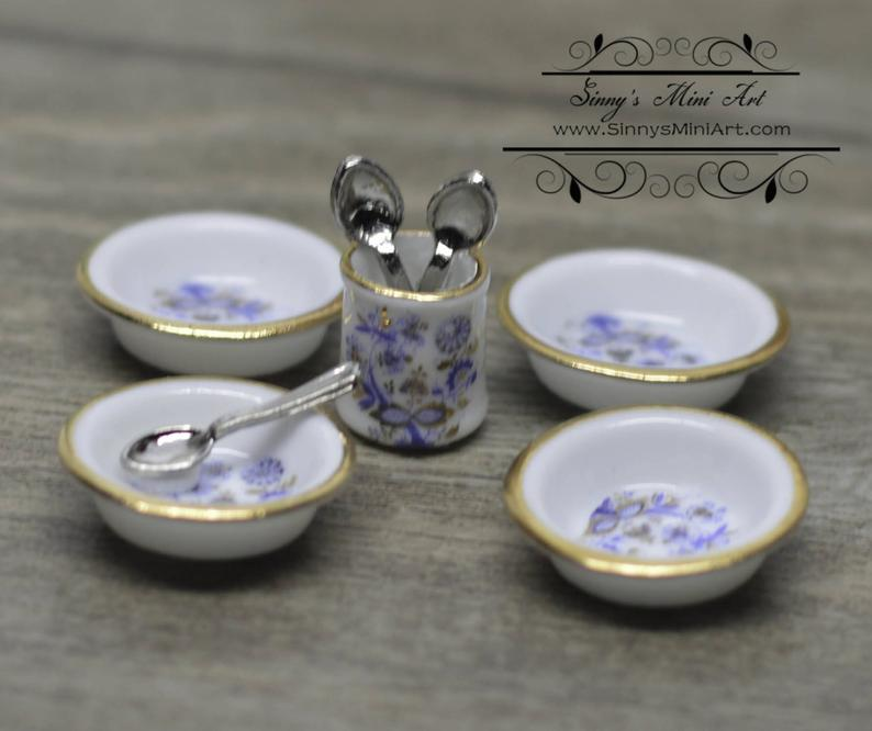 1:12 Dollhouse Miniature Blue Onion Soup Bowl Set RP 1.686/5