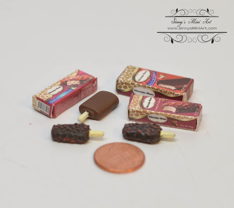 1:6 Dollhouse Miniature Chocolate/ Almonds Ice Cream/ Miniature Ice Cream A50