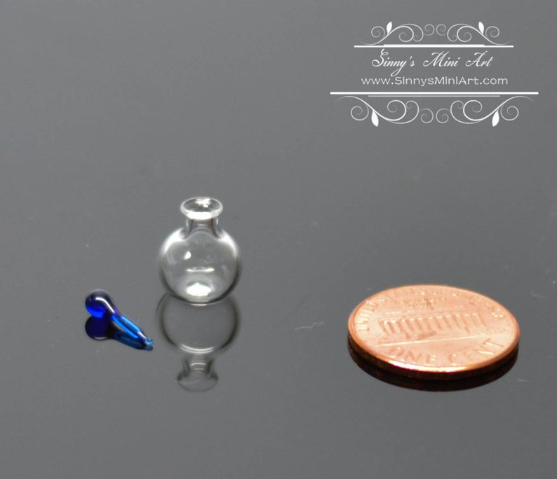 1:12 Dollhouse Miniature Round Glass Jar with Blue Stopper BD HB505