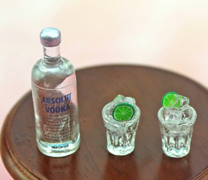 1:6 Dollhouse Miniature Vodka / Miniature Alcohol Barbie Blythe Drink C108