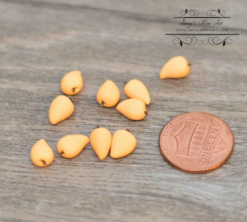 10 PC of 1:12 Miniature Mango/ Dollhouse Miniature Food C56