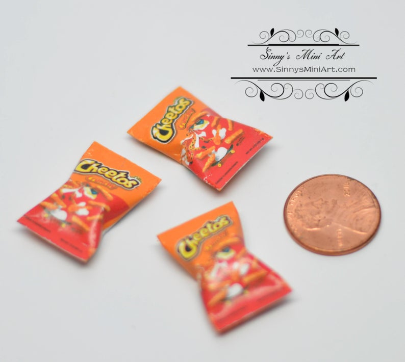 1:12 Dollhouse Miniature Cheetos Crunchy/Miniature Snack 54100
