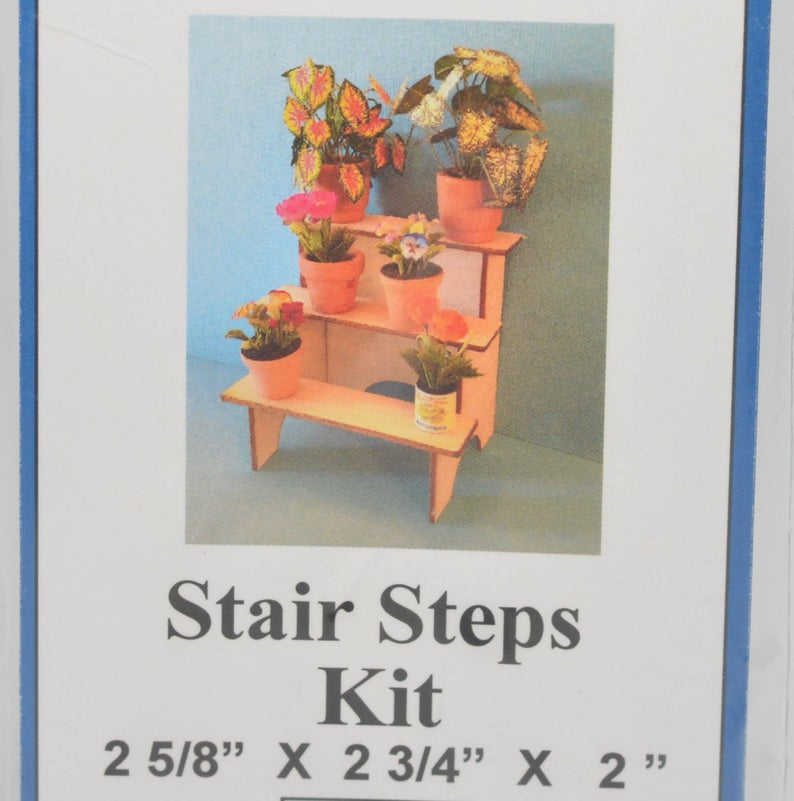 1:12 Dollhouse Miniature Blow Stair-Step Display Kit DI PT150