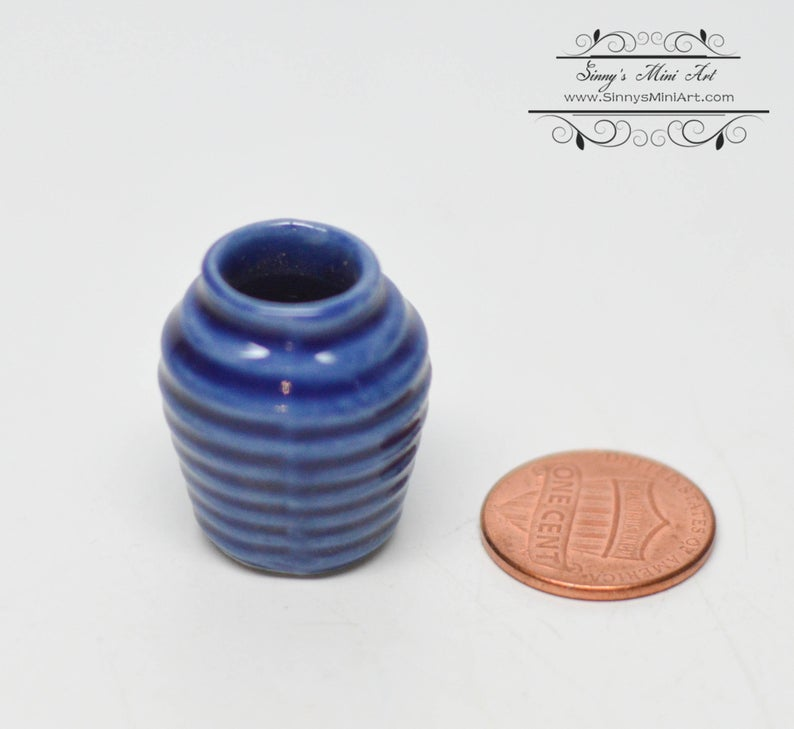 1:12 Dollhouse Miniature Ceramic Pitcher C48