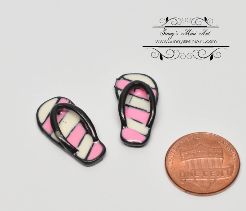 1:12 Dollhouse Miniature Slippers/Pink D95
