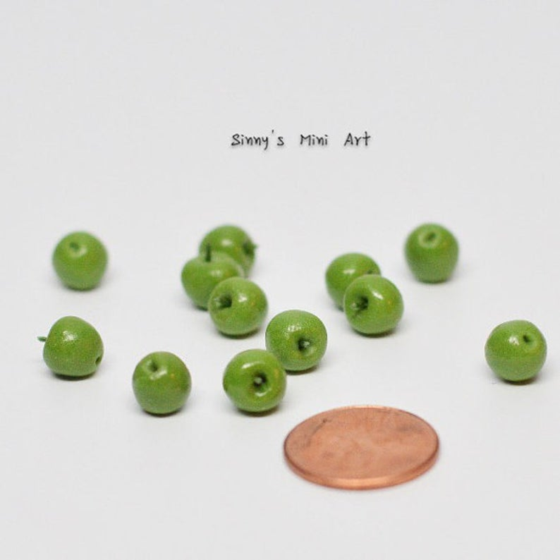 A dozen of 1:12 Miniature Green Apples/ Dollhouse Miniature apples/ Miniature fruit BD P047