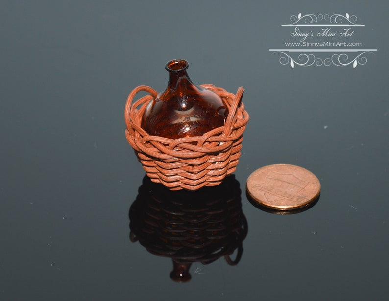1:12 Dollhouse Miniature Amber Glass Demijohn in Basket BD H135
