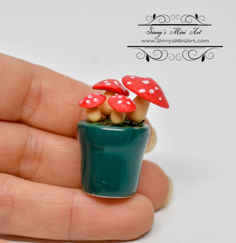 1:12 Dollhouse Miniature Red Spotted Mushrooms in Pot / Miniature Mushrooms Super Mario Mushrooms BD H023