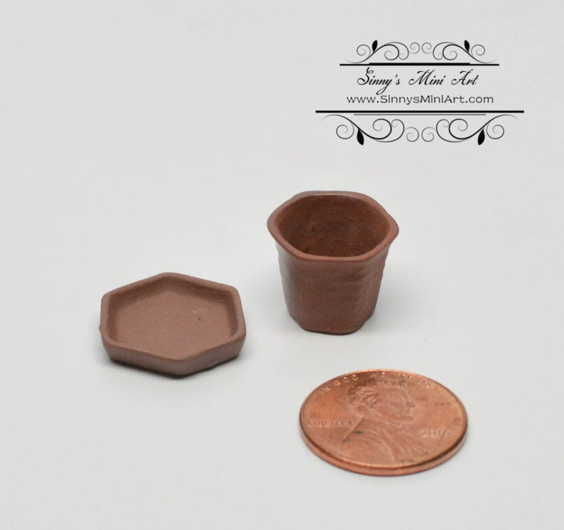 1:12 Dollhouse Miniature Small 6-Sides Dark Clay Pot with Sauce BD B462