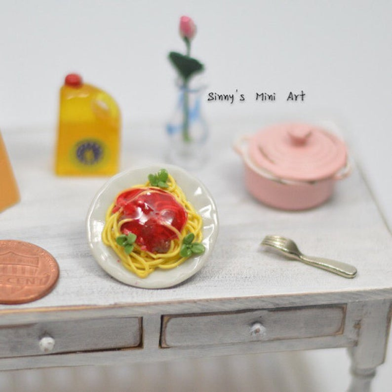 1:12 Dollhouse Miniature Spaghetti with Meatballs in Plate/ Miniature Food/BD F079