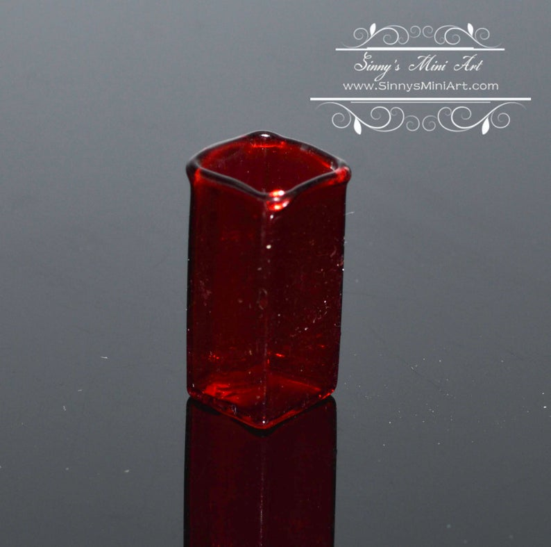 1:12 Miniature Red Sqre Glass Contemporary Vase BD HB401