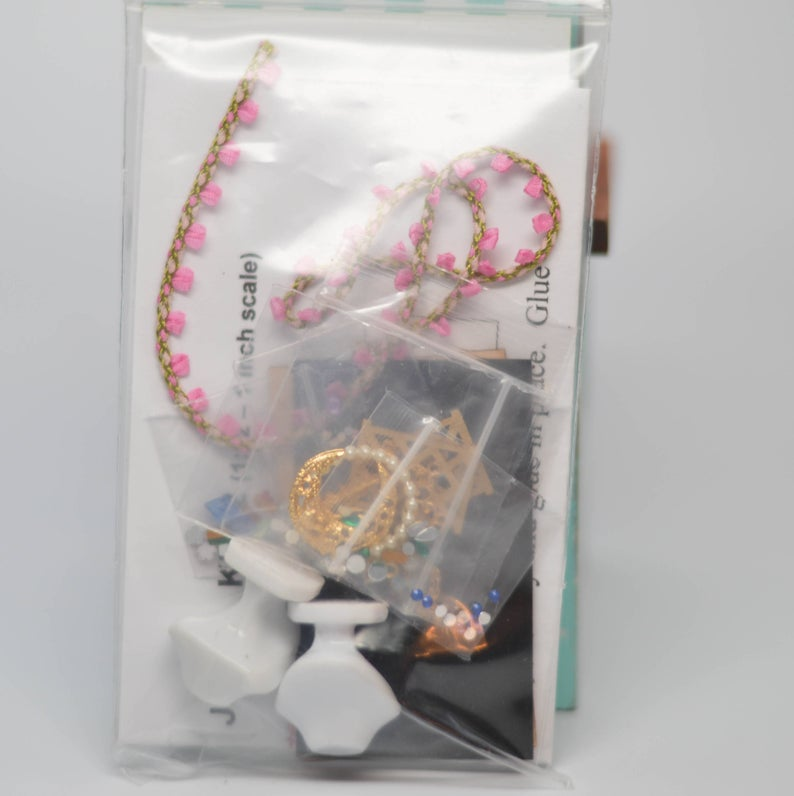 1:12 Dollhouse Miniature Large Jewelry Display Kit DI JK032