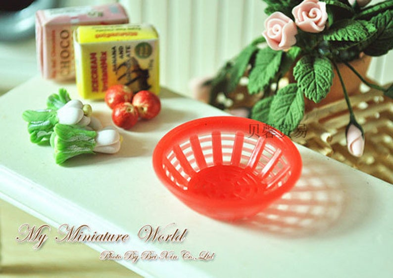 1:12 Dollhouse Miniature plastic basket ( 3 PC) D1