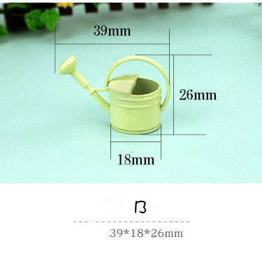 1:12 Dollhouse Miniature Watering Can/ Miniature garden/ Dollhouse Miniature D134