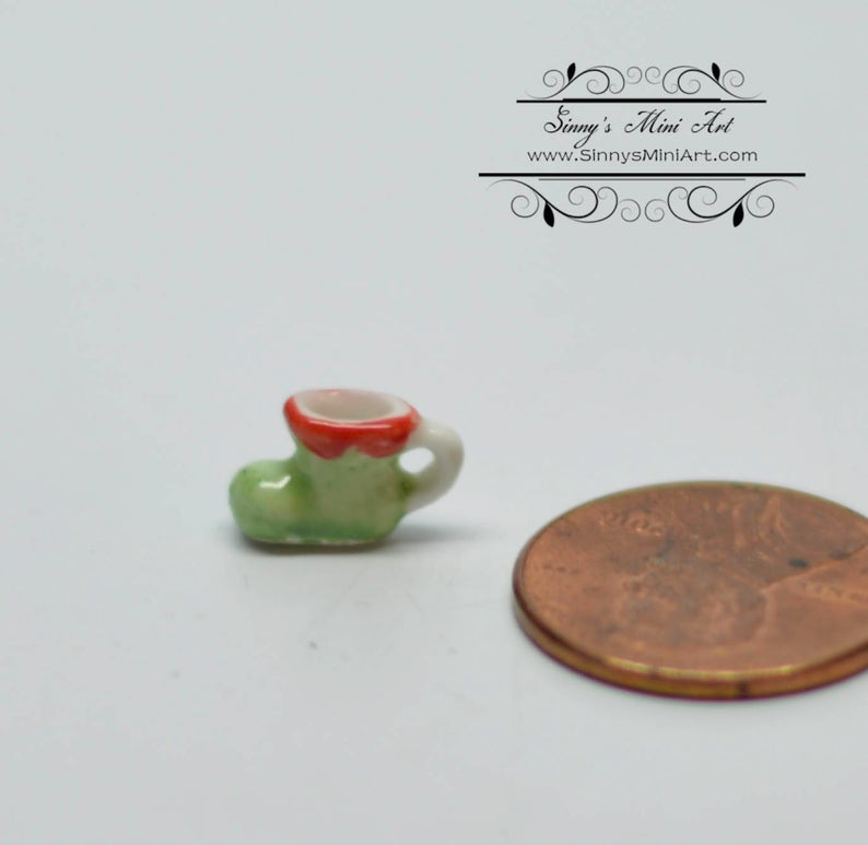 1:12 Dollhouse Miniature Ceramic Elf Boot Mug BD B335