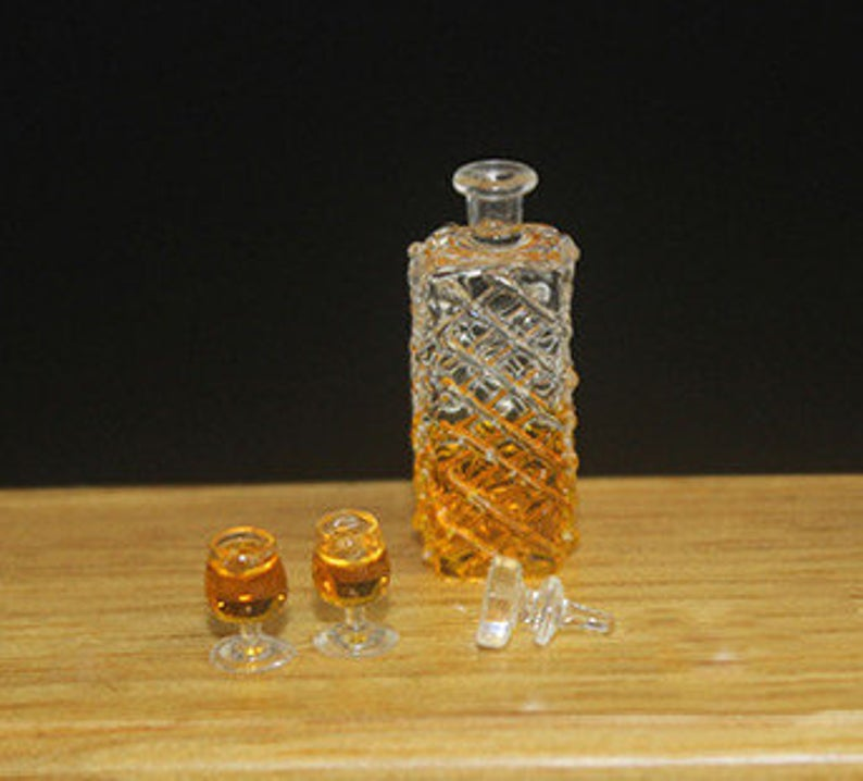 1:12 Dollhouse Miniature Whiskey / Miniature Alcohol Miniature Drink D124