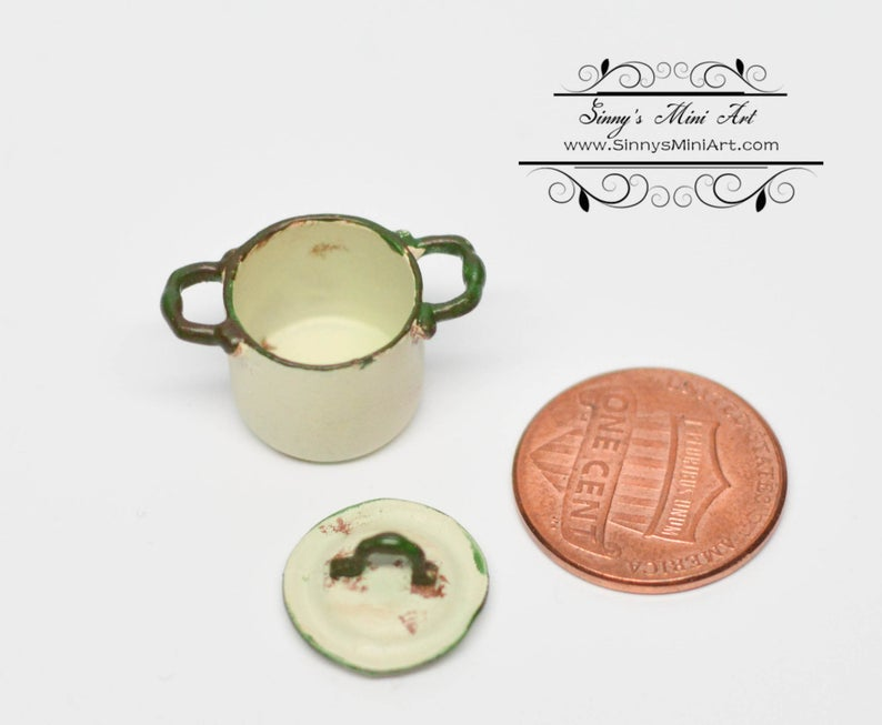 1:12 Dollhouse Miniature Big Shabby Casserole/Beige Miniature Cookware Miniature Pot AZ AN1352BG