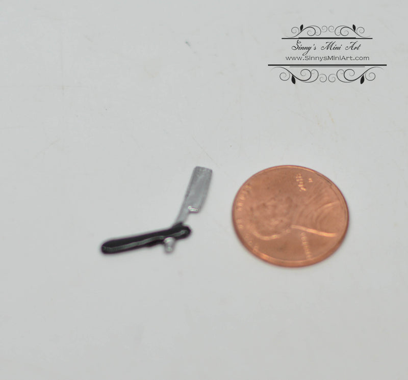 1:12 Dollhouse Miniature Razor/Miniature Beauty Supply IM 2439