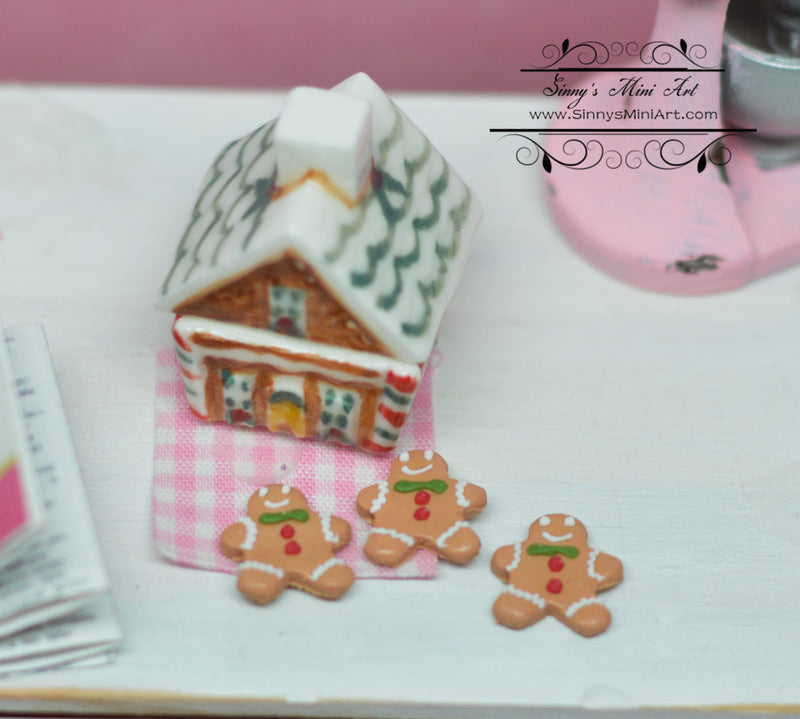 1:12 Dollhouse Miniature Gingerbread Cookies and Ceramic House BD K2739