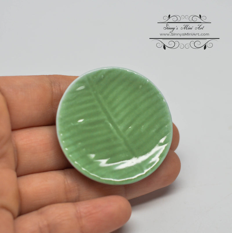 1:12 Dollhouse Miniature Large Green Round Leaf Ceramic Plate/ Miniature Home HMN 1523
