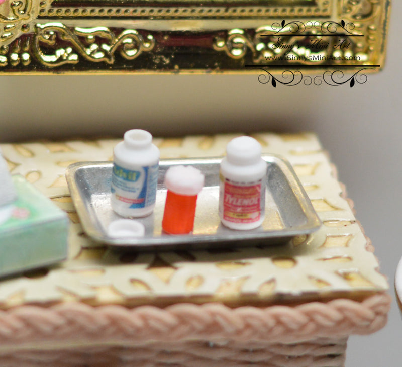 1:12 Dollhouse Miniature Medicine Set SMA A002