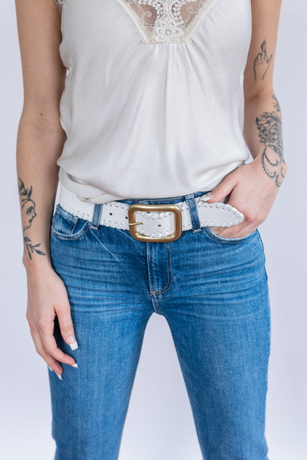 Faylee Distressed Whipstich Belt - White