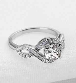 Round cut 1ct diamond twisted band ring - MOWTE