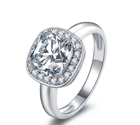 Cushion cut diamond engagement ring - MOWTE