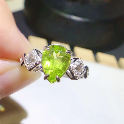 Peridot sterling silver opening ring - MOWTE
