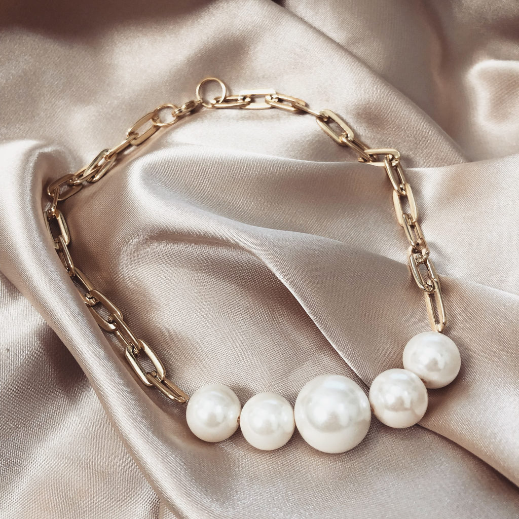 Statement Pearl Necklace | Gigi
