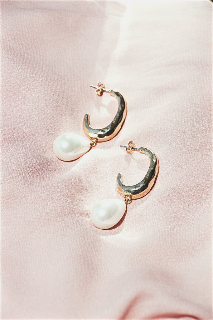 Baroque Pearl Earrings | Sarah