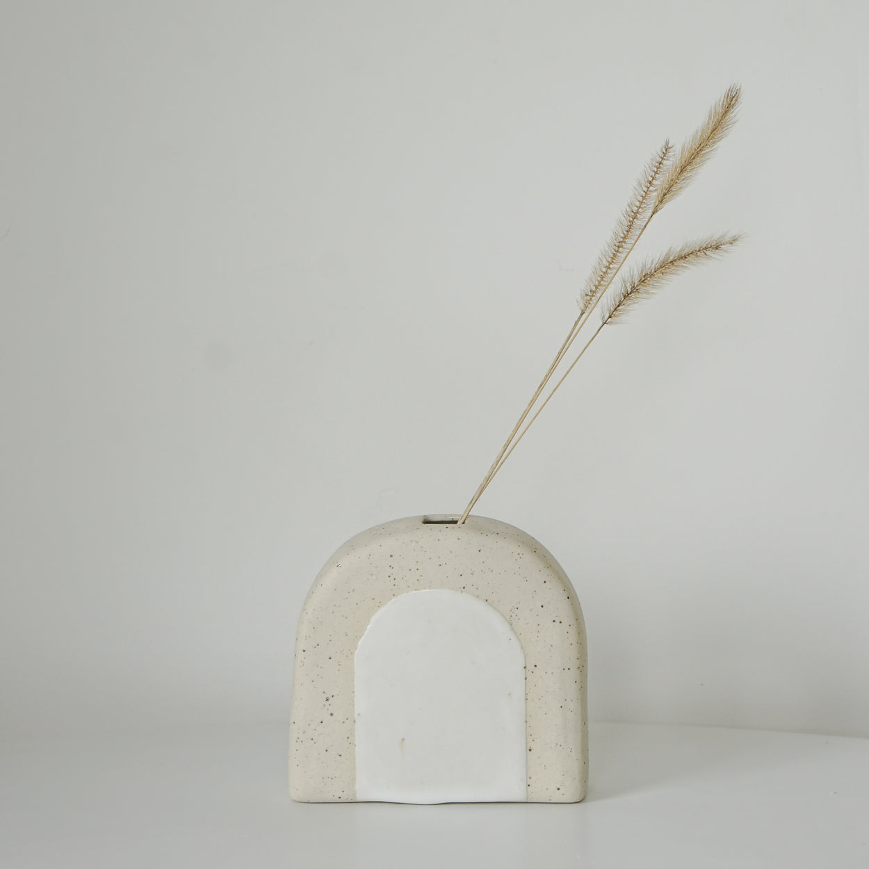 Arch Vase - Sand Speckle