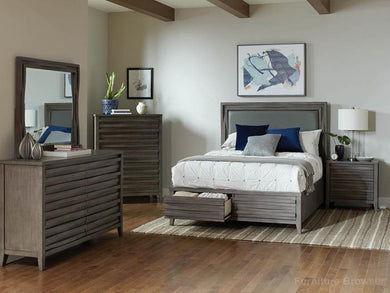 Opal Q Bedroom Set