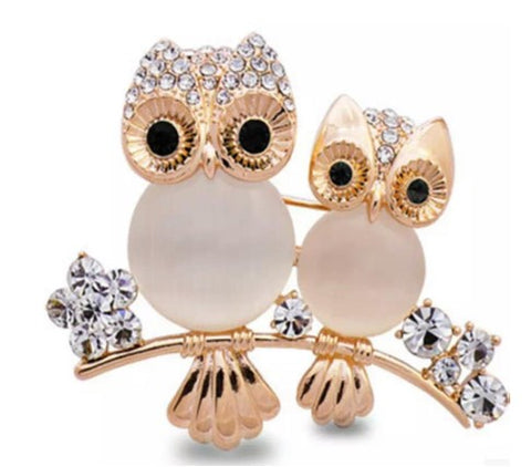 broche hibou or et strass
