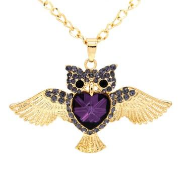 pendentif chouette hibou signification cristal violet strass