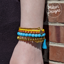 Load image into Gallery viewer, Citron And Turquoise Memory Wire Bracelet