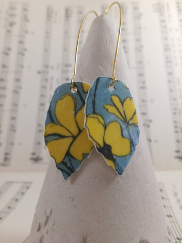 Yellow turquoise transfer leaf