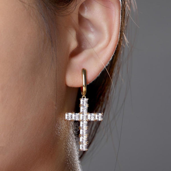 Iced Out Earring <br> Cross <br> (18K Gold)
