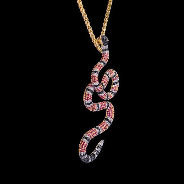 Iced Out Pendant <br> Gucci Snake <br> (18K Gold)
