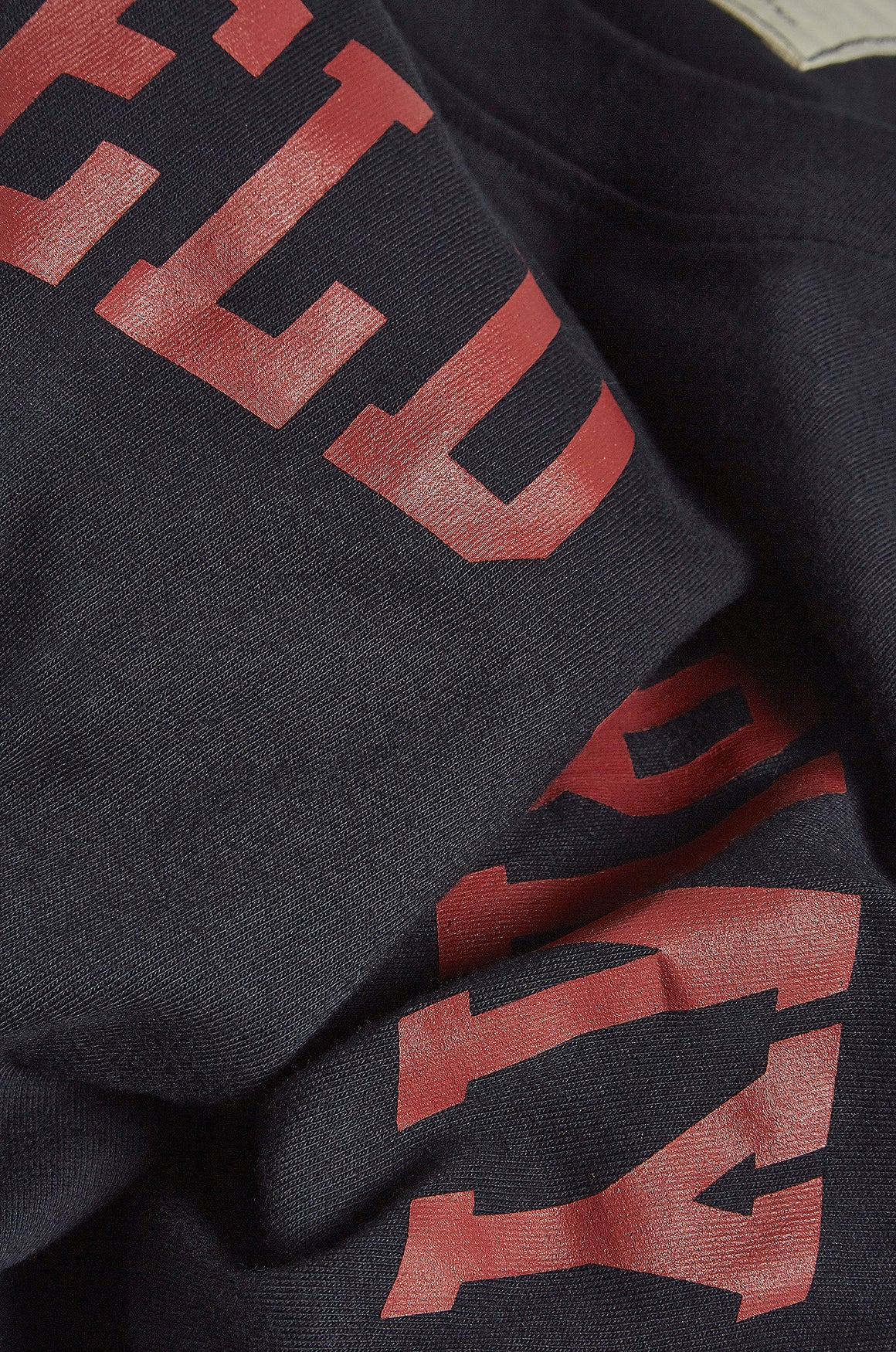 Regular fit field army design tee in navy red from realm empire