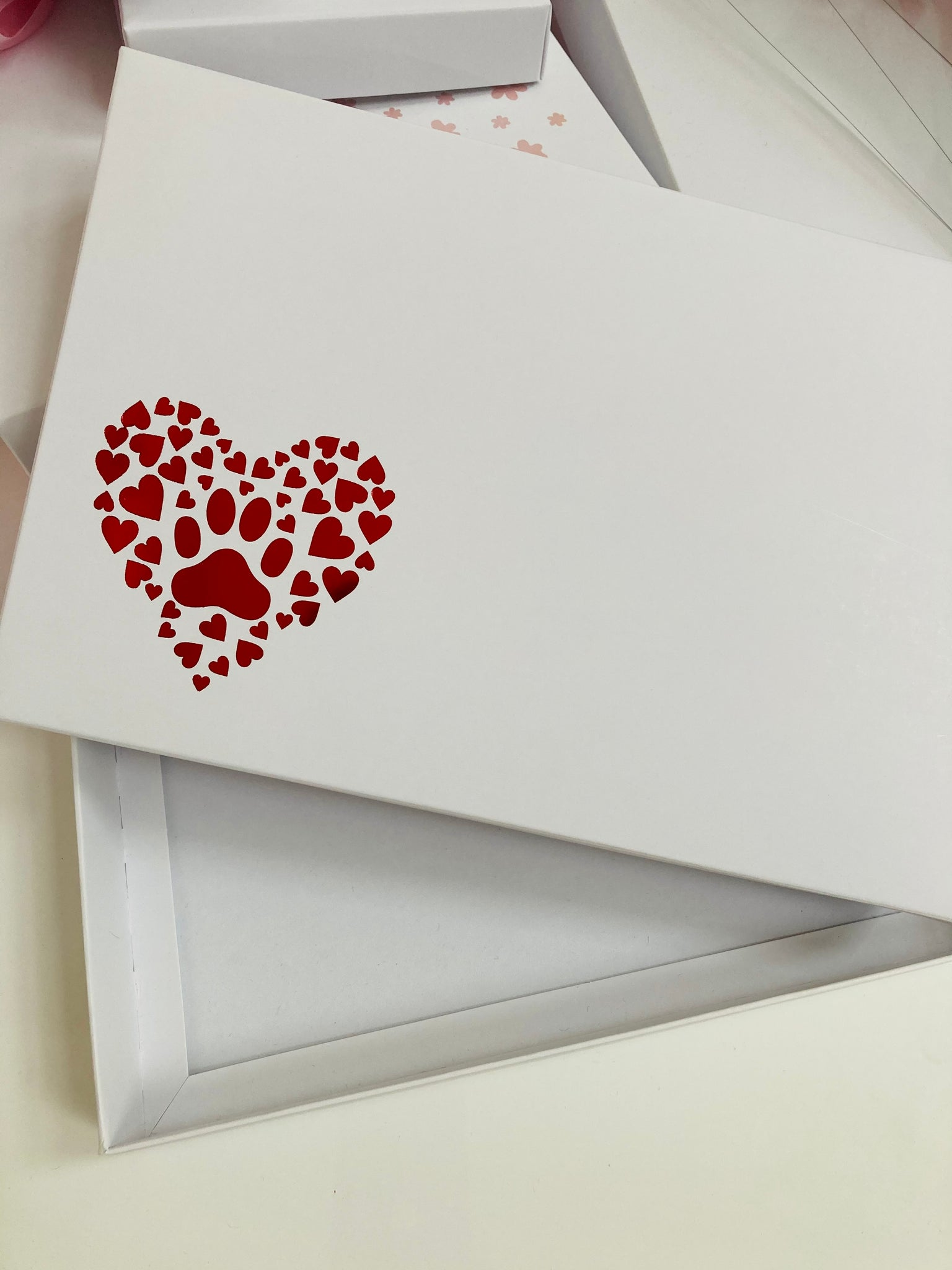 RED PAW PRINT HEART SOLID WHITE LID GIFT BOX BLANK 240x155x30mm