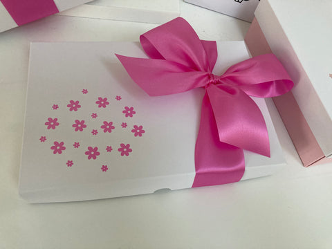 PINK FLOWER SOLID WHITE LID GIFT BOX BLANK 240x155x30mm