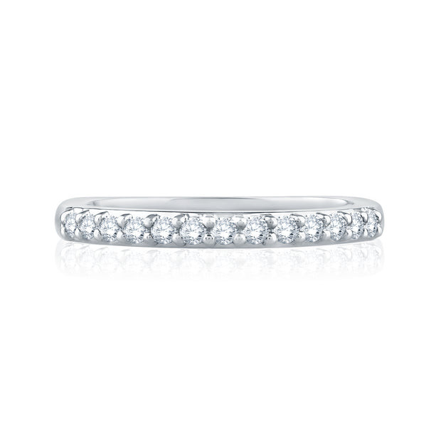 Classic Signature Eleven Diamond Shared Prong Band