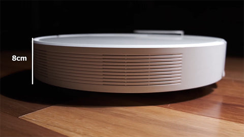 the slim size of dreame f9 robotic cleaner